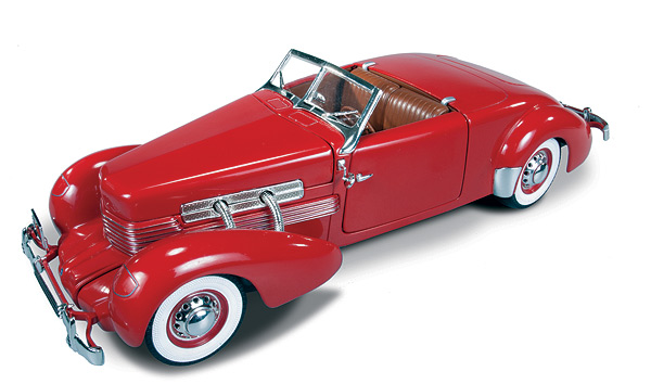 1014 - American Muscle 1937 Cord 812 Convertible