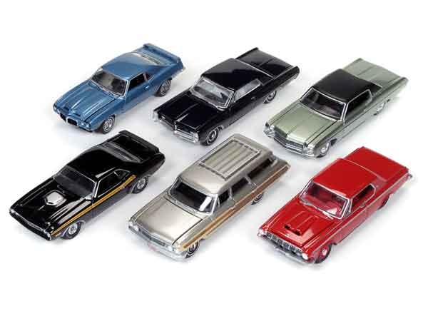 64052-D-CASE - Auto World 1 64 Diecast Premium