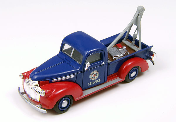 30402 - CMW Red Crown Gasoline 1941 Chevy Wrecker
