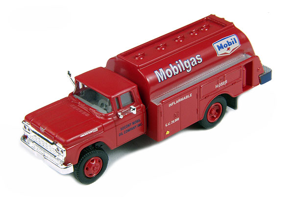 30419 - CMW Mobil Gas 1960 Ford Tank Truck
