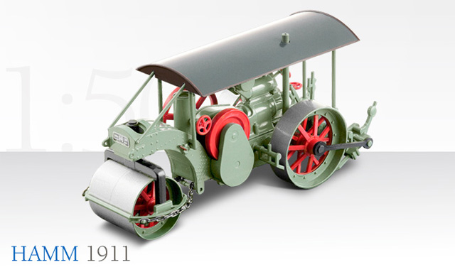 1049-01 - Conrad Hamm 1911 Three Wheeled Roller