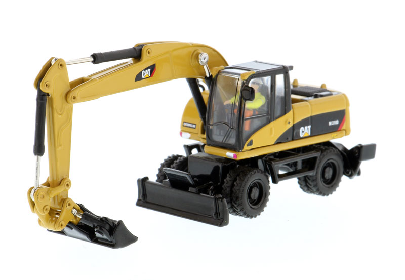 85177 - Diecast Masters Caterpillar M318D Wheel Excavator High Line