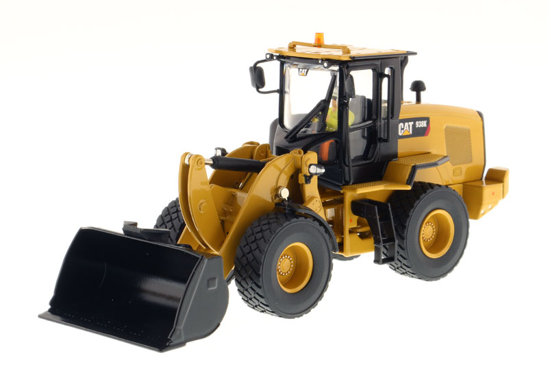 85228 - Diecast Masters Caterpillar 938K Wheel Loader