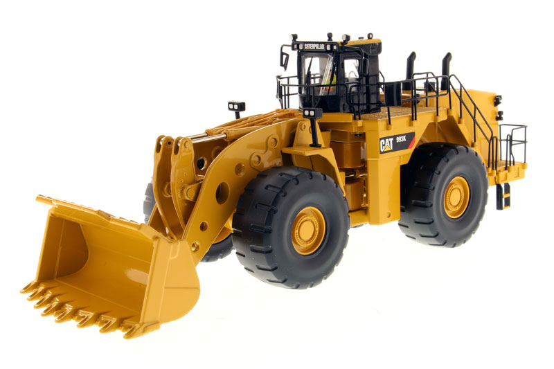 85257 - Diecast Masters Caterpillar 993K Wheel Loader High Line