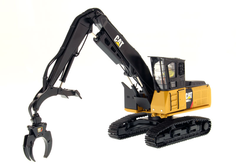 85922 - Diecast Masters Caterpillar 568 LL Log Loader High Line