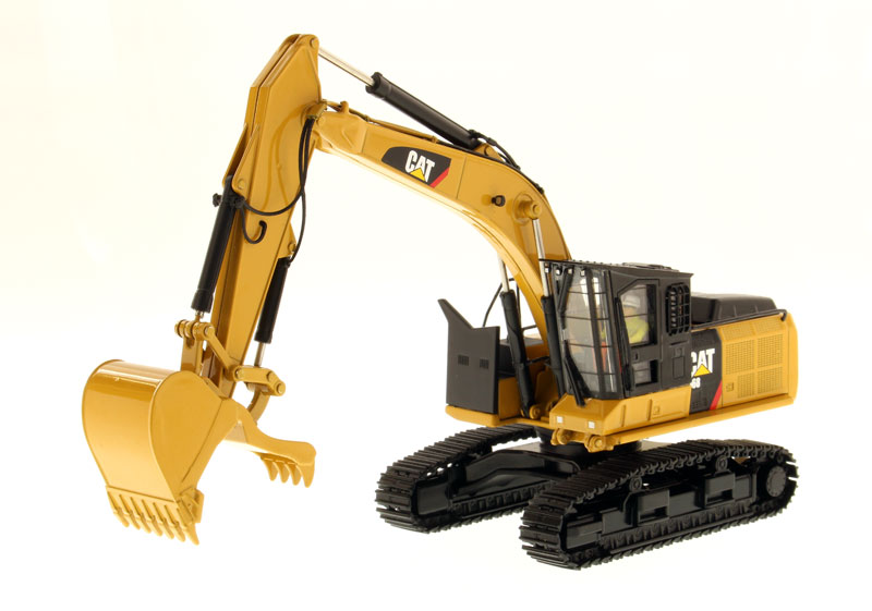 85923 - Diecast Masters Caterpillar 568 GF Road Builder High