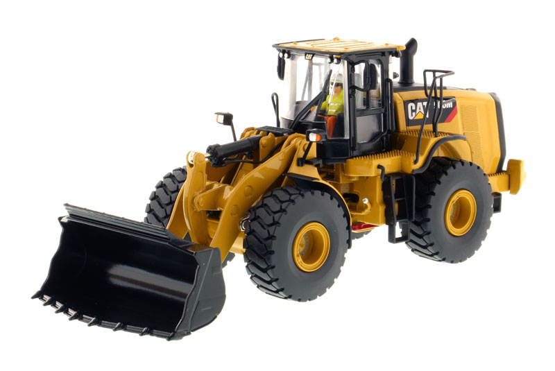 85928 - Diecast Masters Caterpillar 966M Wheel Loader High Line