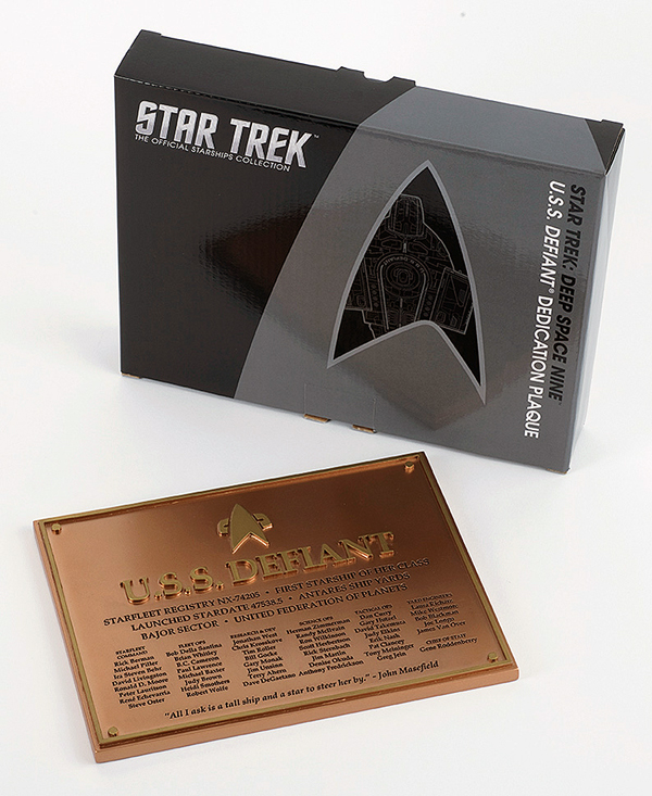 STPLAQUE3 - Eaglemoss Star Trek USS Defiant Dedication Plaque
