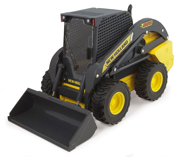 13816 - ERTL Toys New Holland L225 Skid Steer Loader