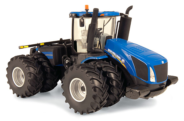13819 - ERTL Toys New Holland T9670 4WD Prestige Collection
