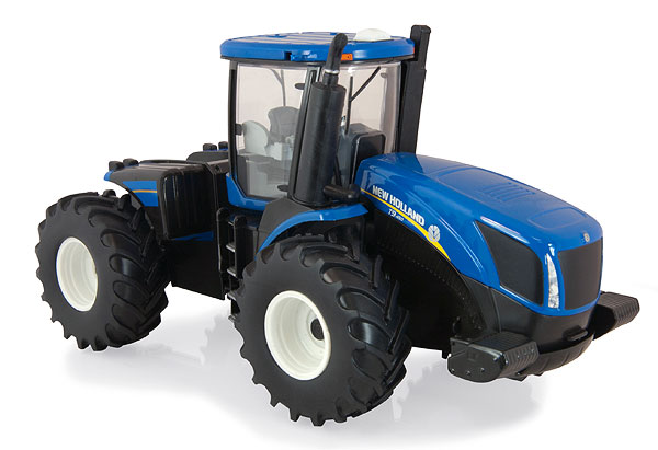 13831 - ERTL New Holland T9560 4WD Tractor