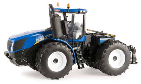13858 - ERTL Toys New Holland T9565 RC 4WD Prestige