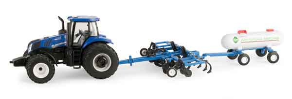 13882 - ERTL Toys New Holland T8380