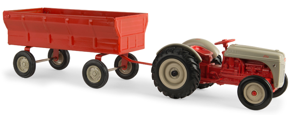 13906 - ERTL Toys Ford 8N Tractor