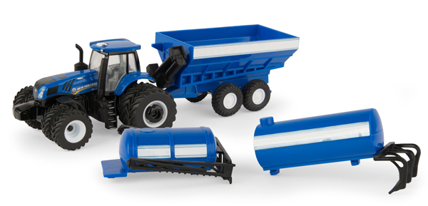 13921 - ERTL Toys New Holland T8320 Tractor