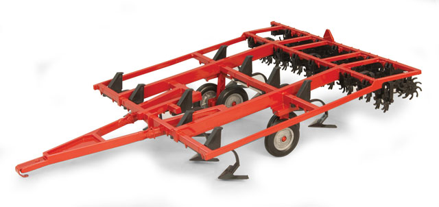 14820 - ERTL Toys Case IH Chisel Plow Red Constructed
