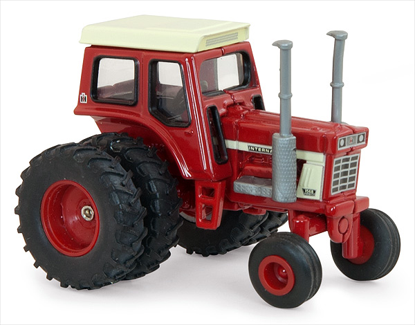 14870 - ERTL Toys Case International 1568 V8 Tractor