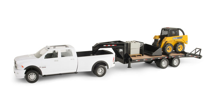 46482 - ERTL Toys Ram 3500 and Gooseneck Trailer