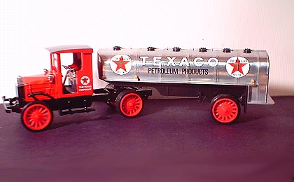 H817S-B - ERTL Toys Texaco 16 1999 19478 1920 Pierce