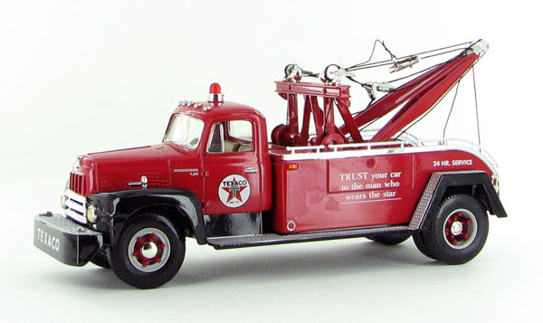 18-2160 - First Gear Texaco 1957 International Tow Truck Produced