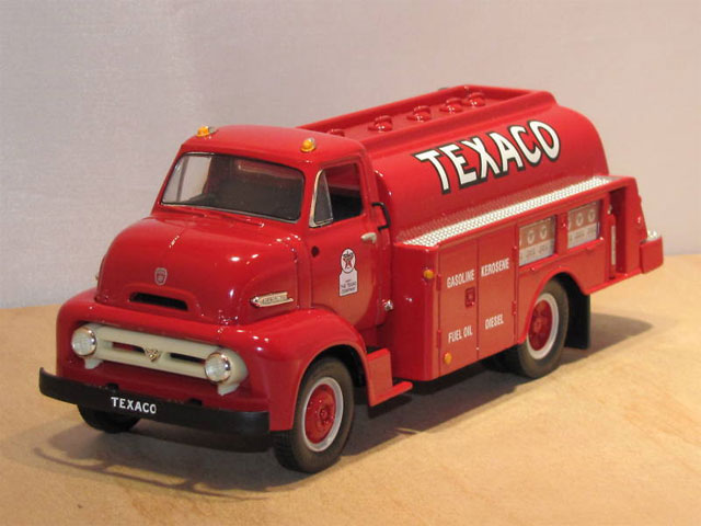 18-2175 - First Gear Farm with Texaco 1 1997 1953