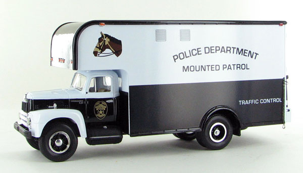 19-1384 - First Gear Police Department Mounted Patrol 1957 International