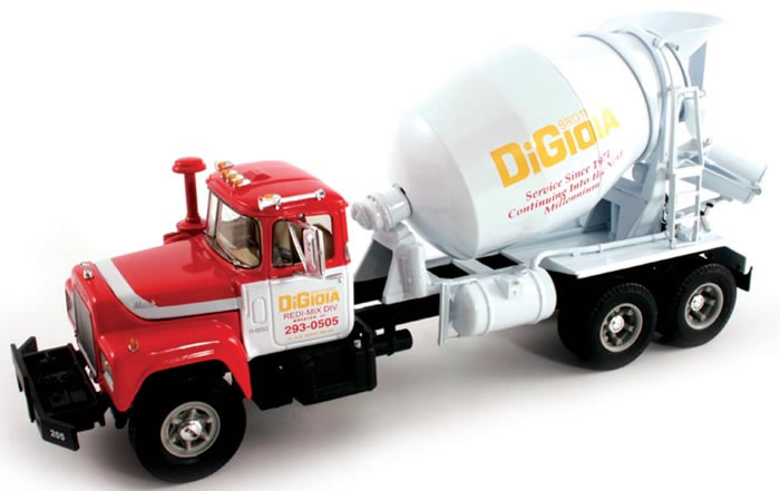 19-2561 - First Gear DiGioia Brothers Mack R Cement Mixer