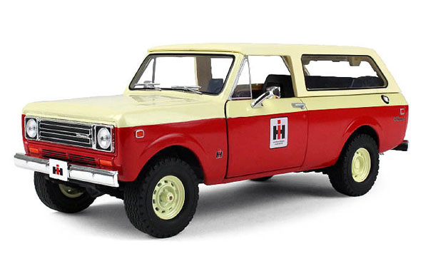 40-0374 - First Gear International Harvester 1979 International Scout Traveler