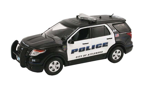PR-181 - First Response Attleboro Police Dept MA 2014 Ford