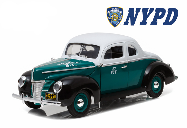 12972 - Greenlight Diecast NYPD 1940 Ford Deluxe Coupe Police opening