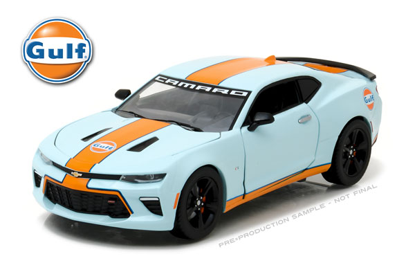 18233 - Greenlight Diecast Gulf Oil 2017 Chevrolet Camaro SS Officially