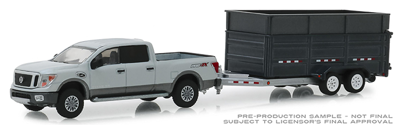 32160-D - Greenlight Diecast 2018 Nissan Titan XD Pro 4X and