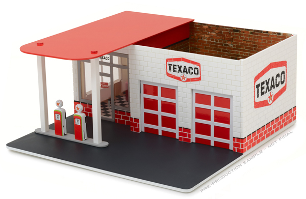 57013 - Greenlight Diecast Texaco Oil Vintage Gas Station Diorama Mechanics