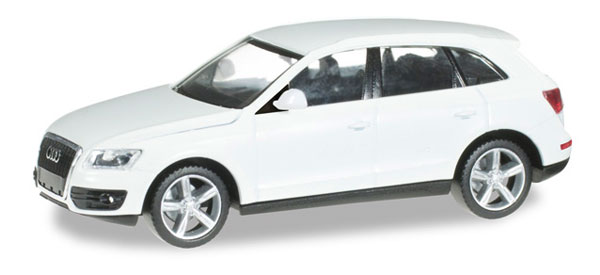 024045 - Herpa Model Audi Q5 5 Door Wagon