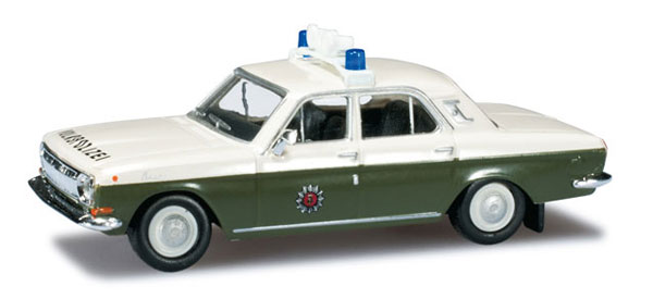 090919 - Herpa Model East German Police Wolga M 24 All