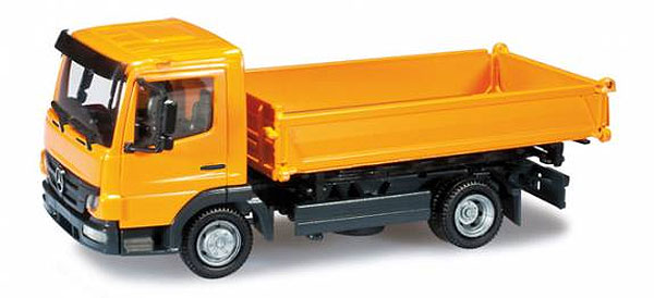 302258 - Herpa Mercedes Benz Atego 3 Way Dump