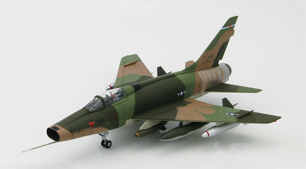 HA2117 - Hobby Master F 100D Super Sabre Fighter Jet