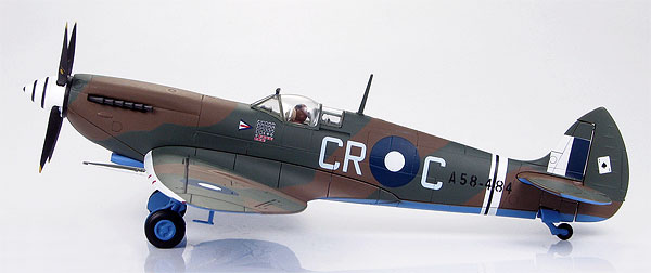 HA8310 - Hobby Master Spitfire MkVIII Group Captain Clive Caldwell