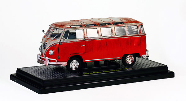 40300-45A - M2machines Volkswagen Microbus Deluxe USA Model Dirty