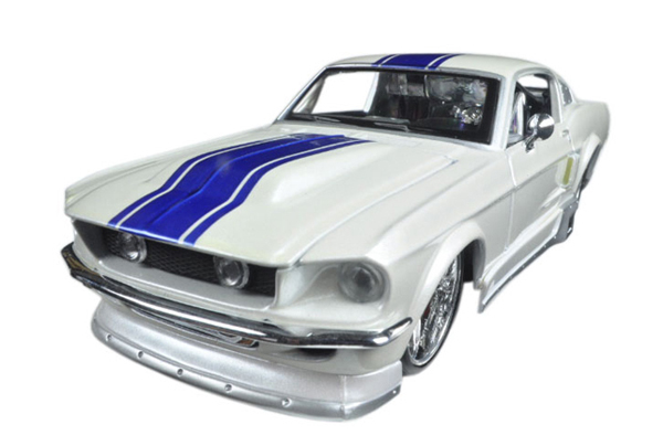 31094WT - Maisto 1967 Ford Mustang GT
