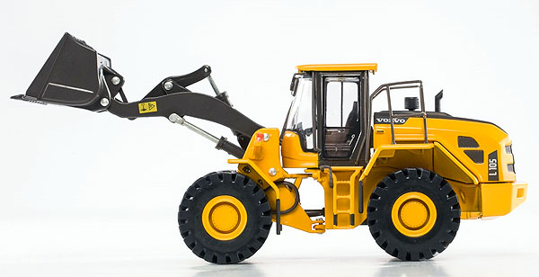 300033 - Motorart Volvo L105G Wheel Loader