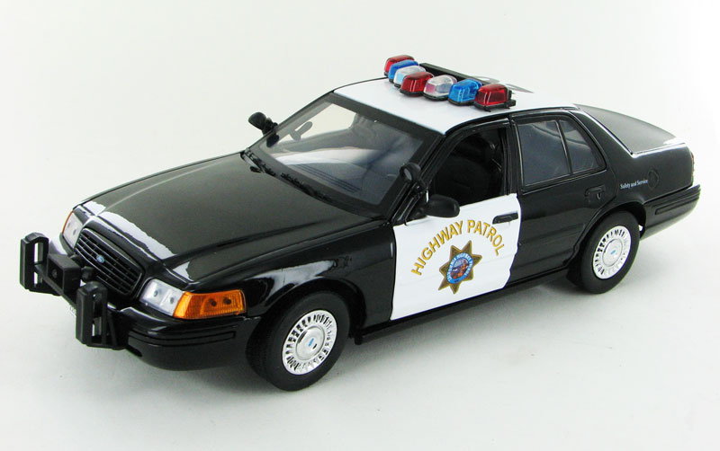 73501 - Motormax California Highway Patrol Ford Crown Victoria