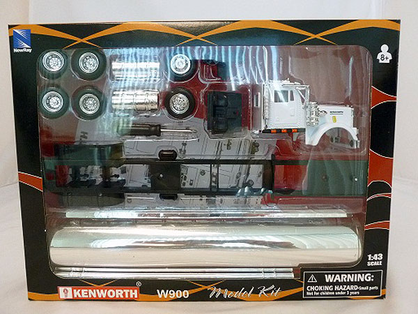 SS-15425 - New-Ray Toys Kenworth W900 Model KIT