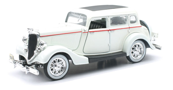 SS-55213 - New-ray 1934 Ford Deluxe Fordor