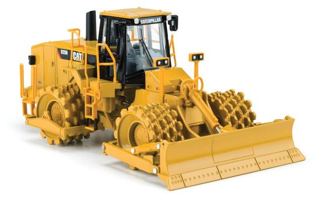 55165-X - Norscot Caterpillar 825H Soil Compactor MODEL IS