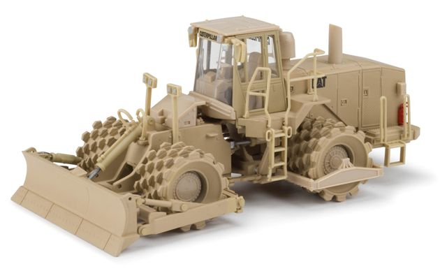 55254 - Norscot Caterpillar Military 815F Soil Compactor