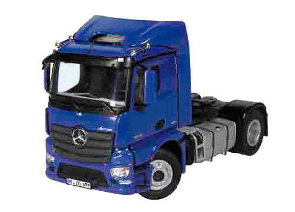 879-20 - NZG Model Mercedes Benz Antos FH600M 4x2 Cab Only