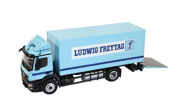 880-04 - NZG Model Ludwig Freytag Mercedes Benz Antos 4x2