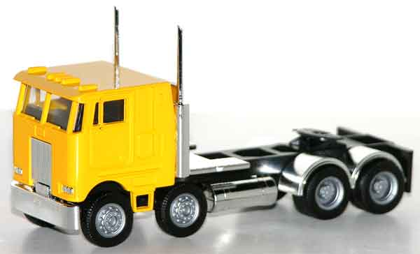 006416Y - Promotex Peterbilt COE Twin Steer Semi Truck