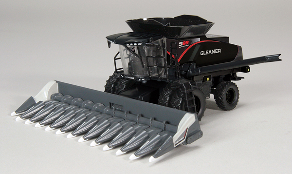 CUST-1567 - Spec-cast Gleaner S98 Stealth Combine